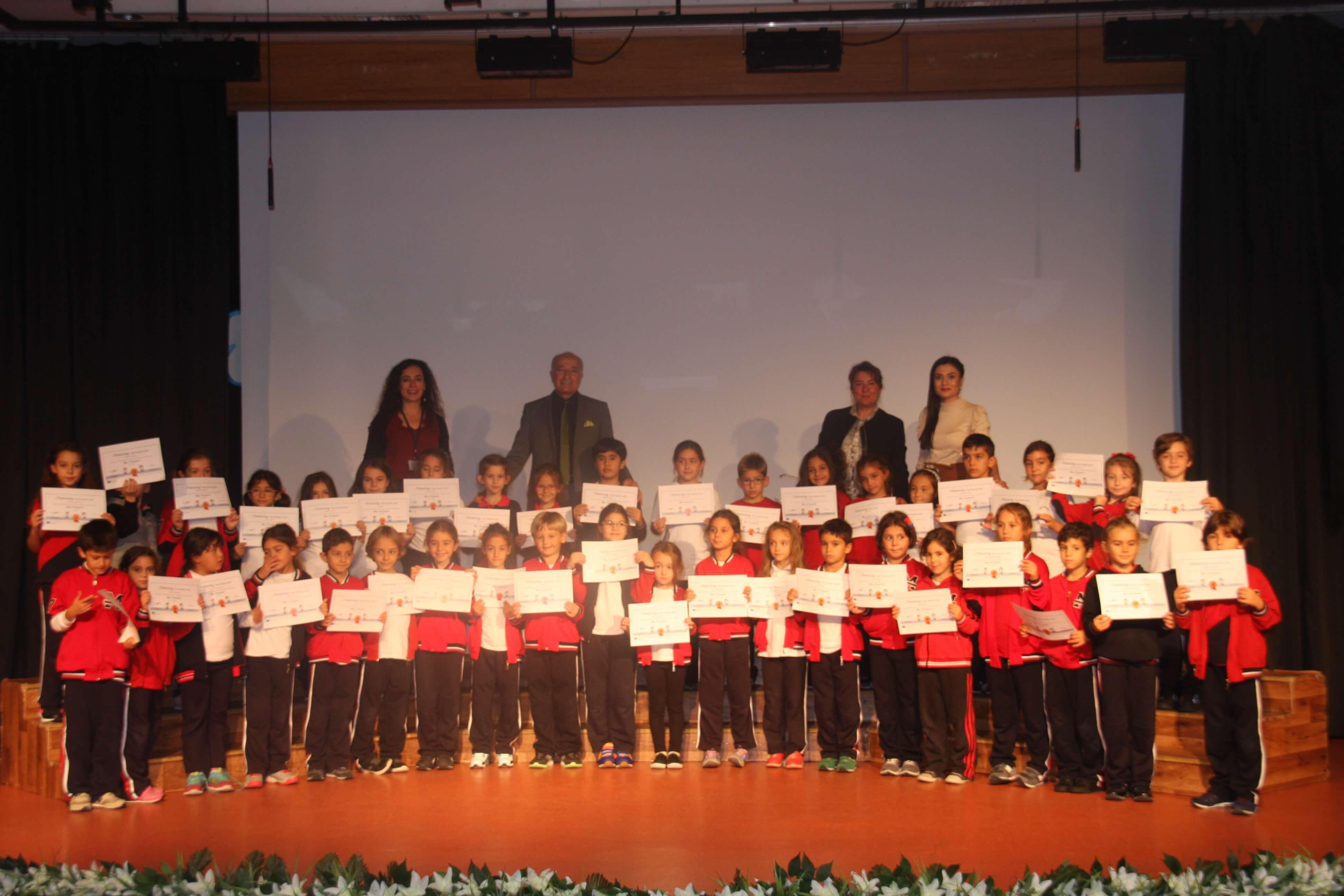 """E-Twinning """"MY PUPPET"""" Projesi'nde Başarılı Olan Öğrencilerimize Sertifikaları Törenle Verildi"""