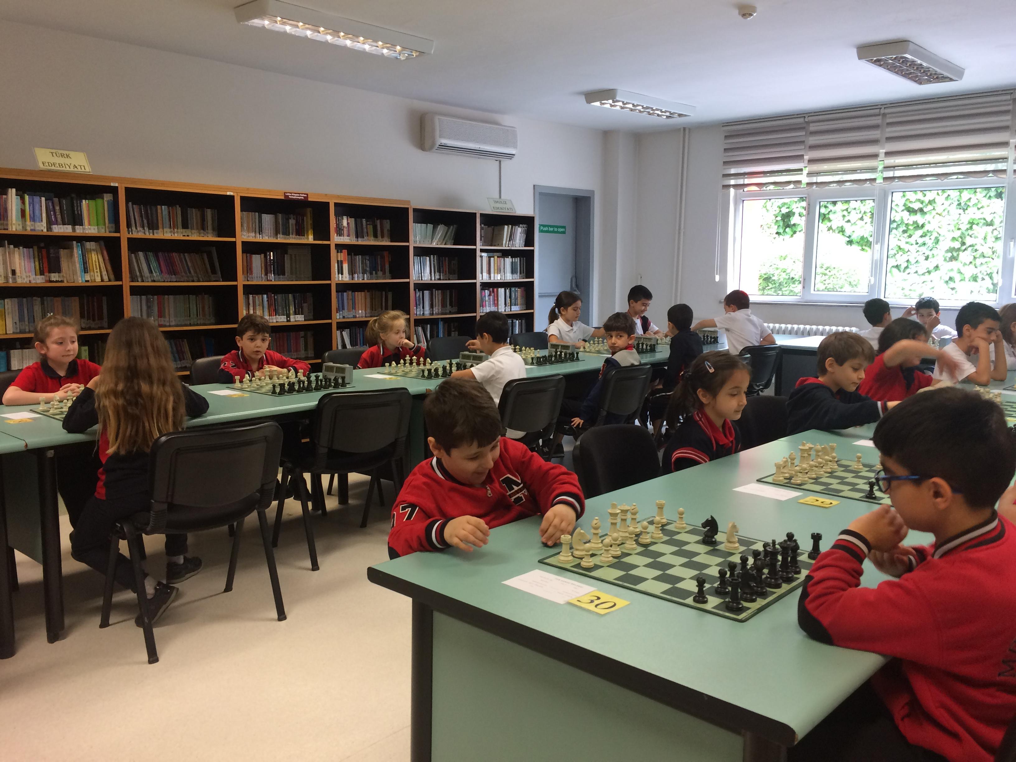 1. ve 2. Sınıflar Arası Satranç Turnuvası Başladı