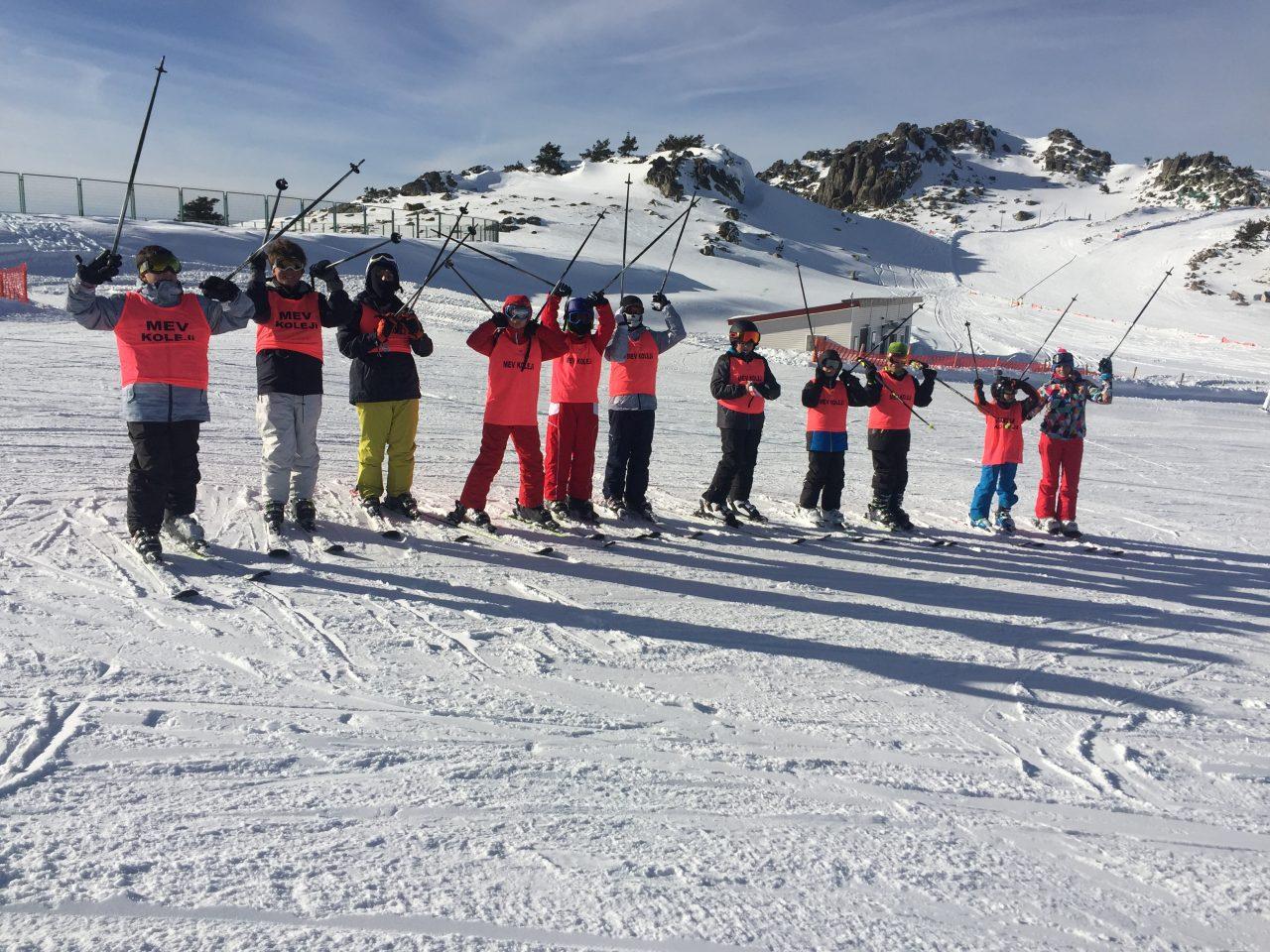 Öğrencilerimizin Kartalkaya Kayak Eğitim Kampında Birinci Günleri