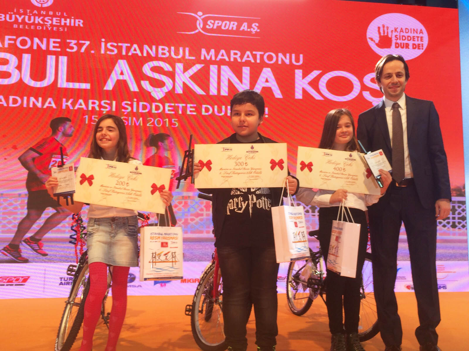 Maraton ve İstanbul Konulu Resim Yarışmasında Ödülleri Topladık