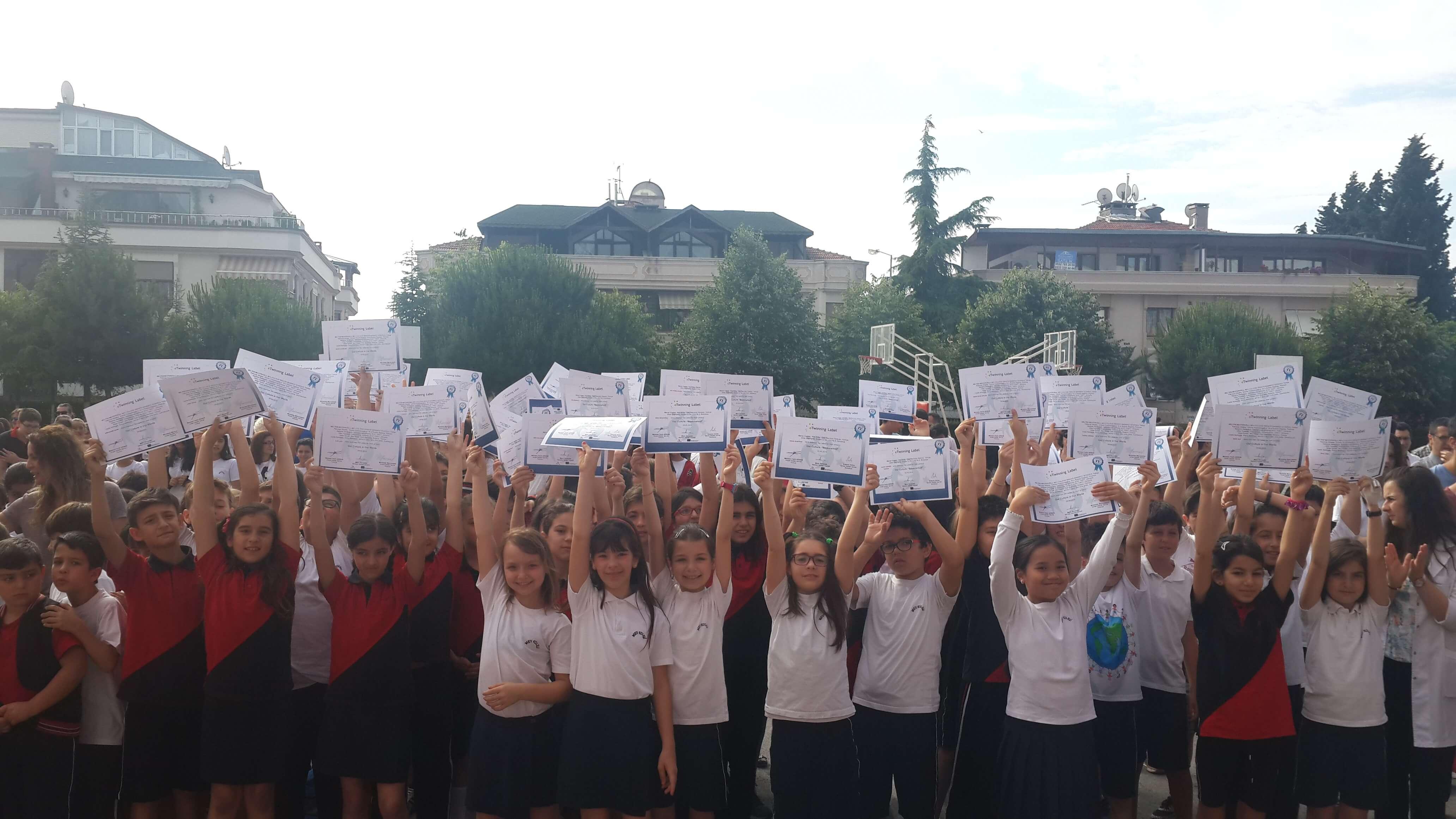 Öğrencilerimiz E-Twinning Projeleriyle Türk Kültürünü Tanıttı