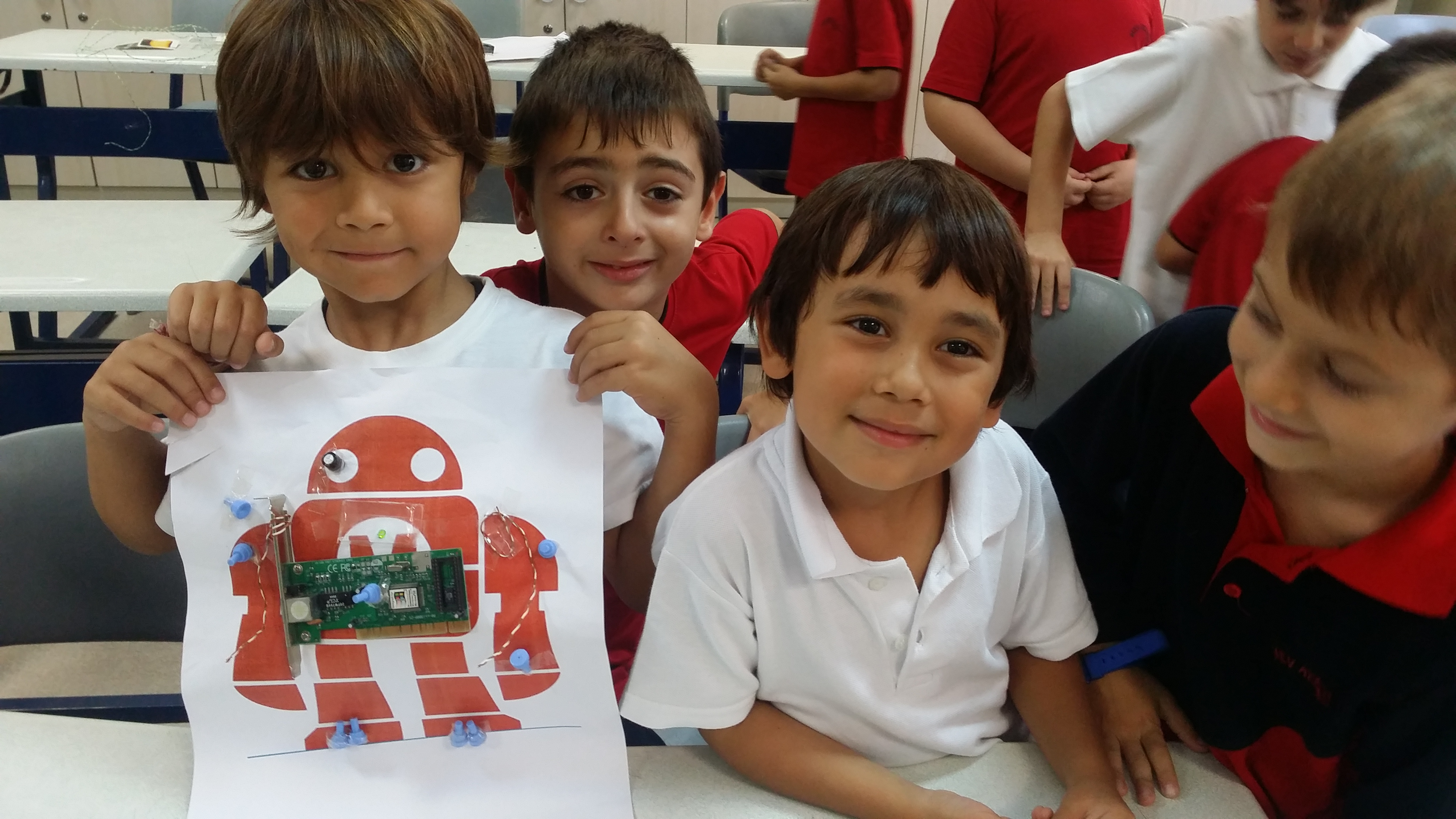 Maker Kulübündeki Öğrencilerimiz Yaratıcılıkta Sınır Tanımıyor