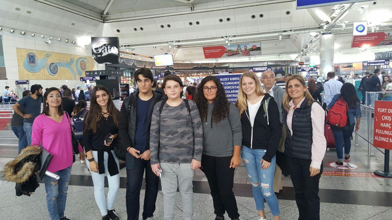 Erasmus Plus Proje Toplantısı için Öğretmen ve Öğrencilerimiz Litvanya'ya Gitmek Üzere Yola Çıktılar