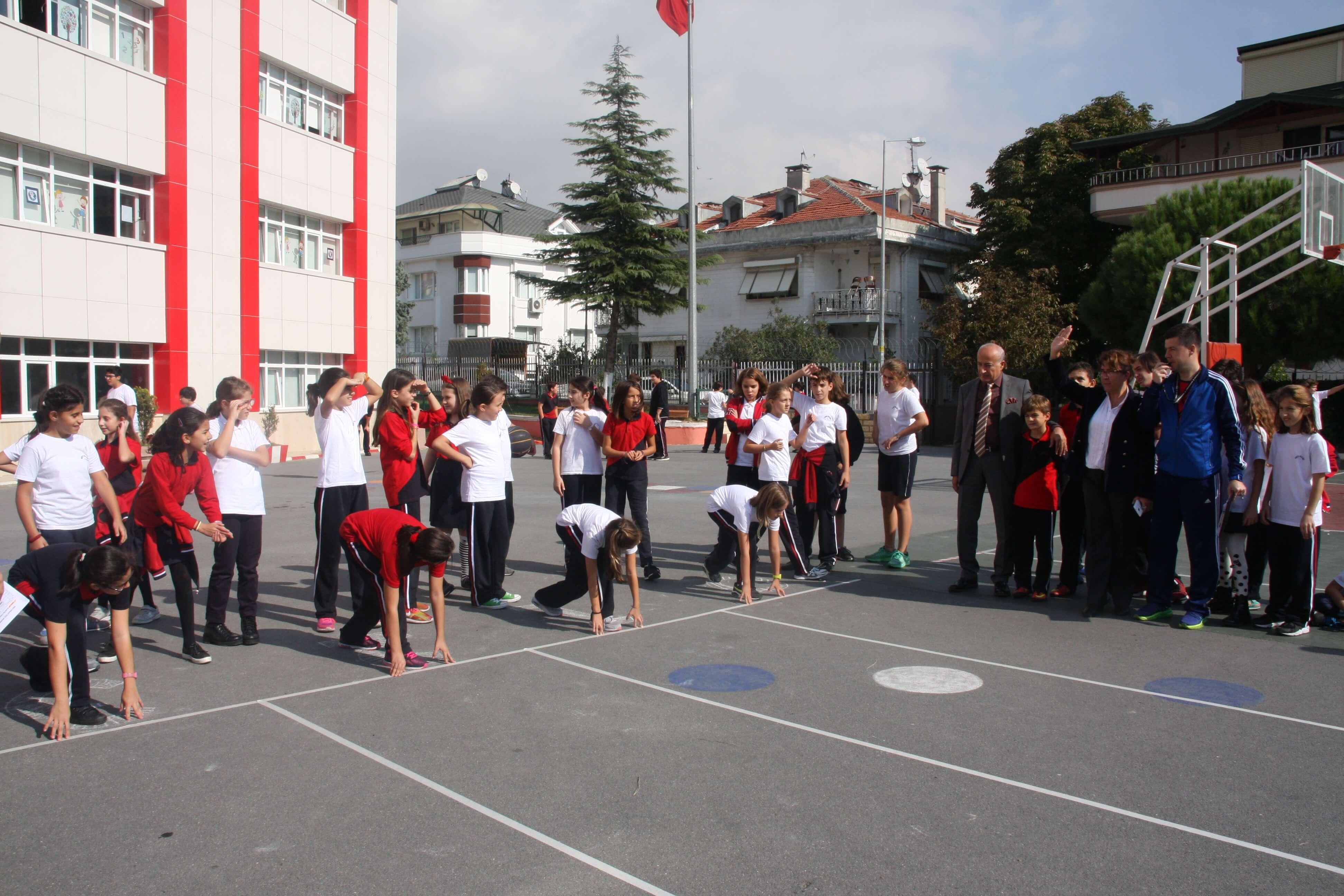 """5. ve 6. Sınıf Öğrencilerimizin Katılımıyla """"29 Ekim Cumhuriyet Atletizm Sürat Koşusu"""" Gerçekleşti"""