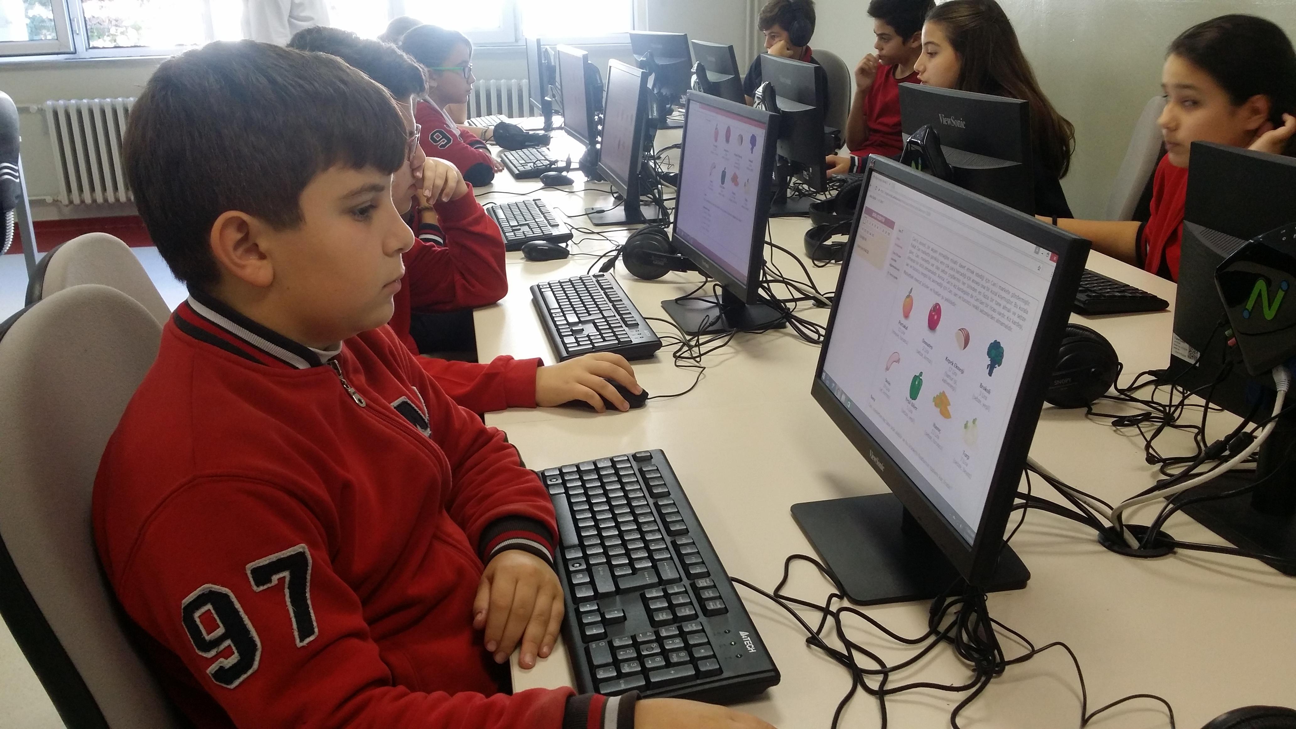 """Öğrencilerimiz """"2016 Bilge Kunduz Uluslararası Enformatik ve Bilgi-İşlemsel Düşünme"""" Konulu Etkinliğe Katıldılar"""