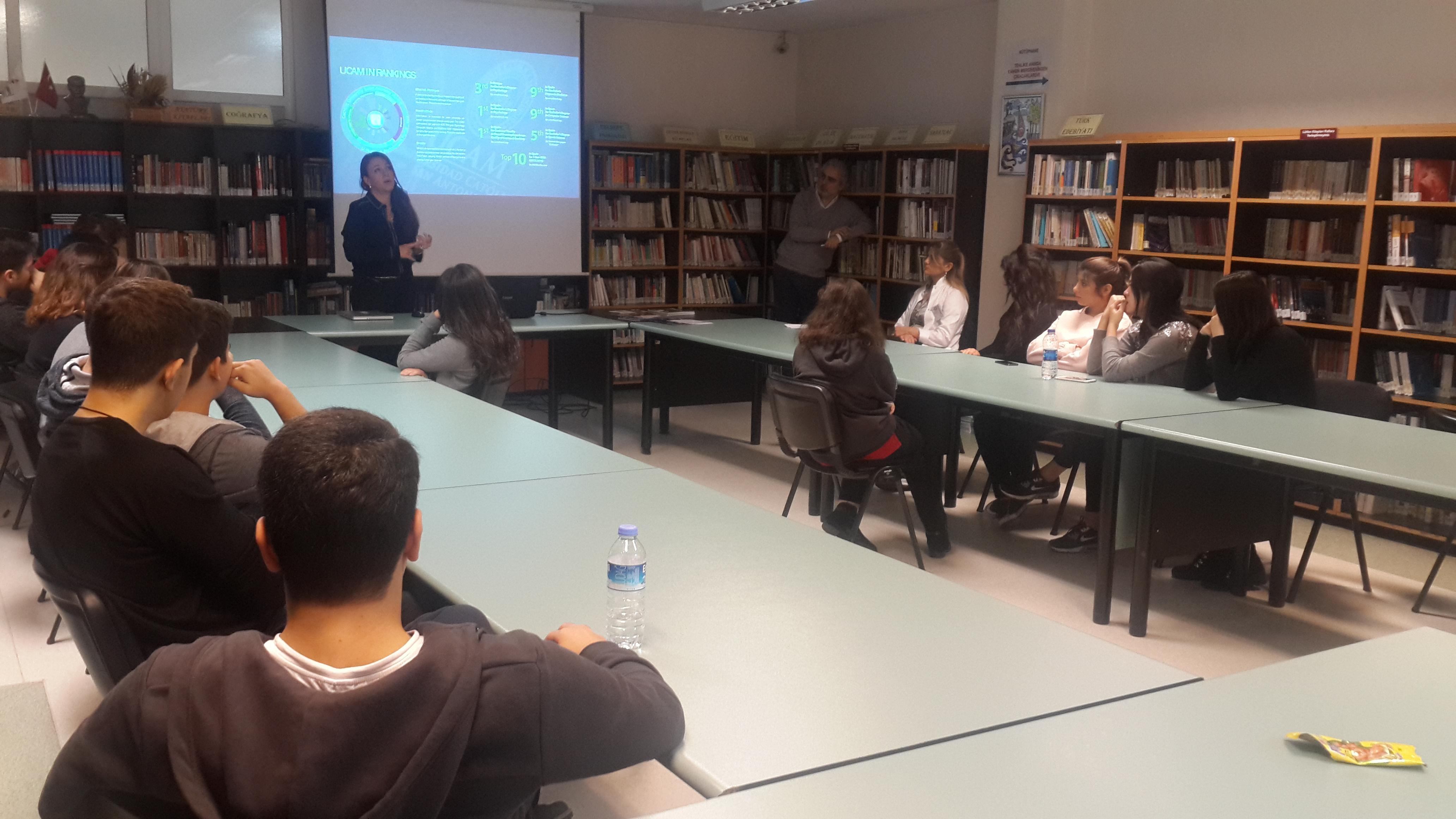 """11. ve 12. Sınıf Öğrencilerimize """"Uluslararası Eğitim ve Kariyer Yönetimi"""" Konusunda Seminer Düzenlendi"""
