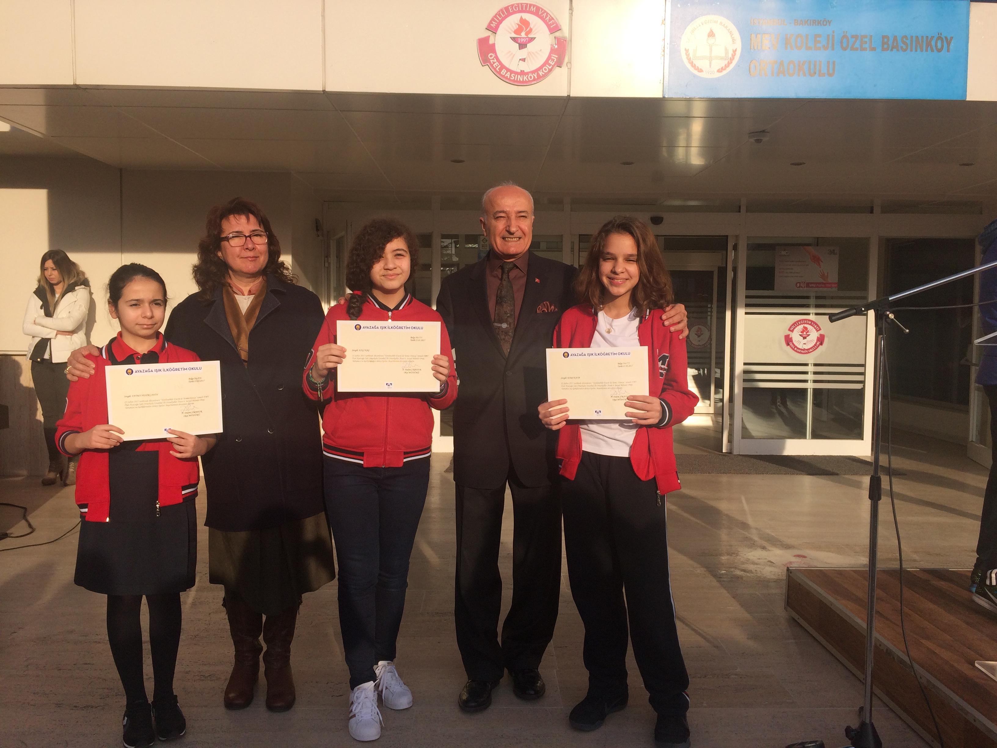 Öğrencilerimiz İstanbul Ortaokullar Arası 4.Sosyal Bilimleri Proje Yarışmasında Okulumuzu Temsil Etti