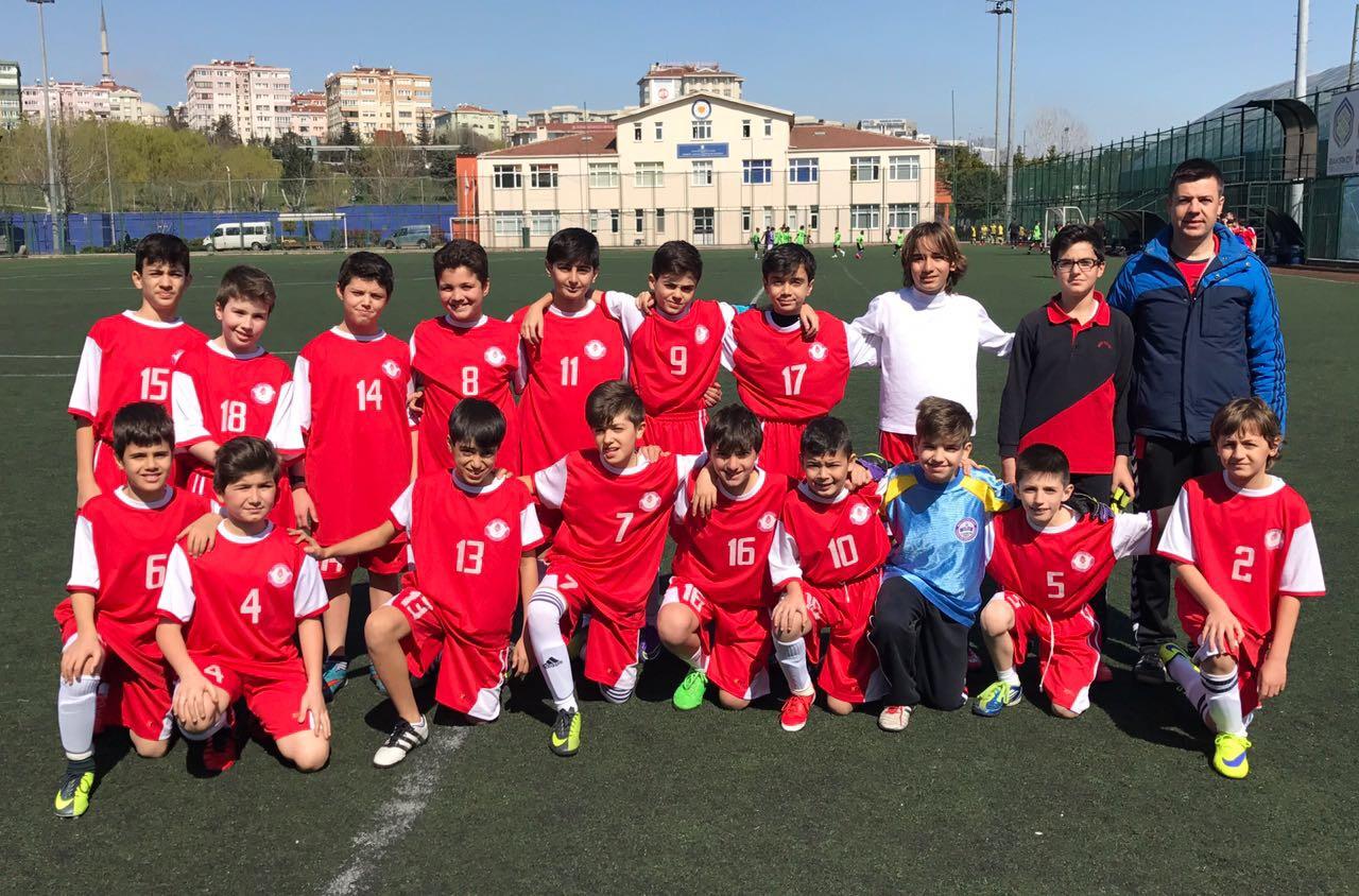 Küçük Erkekler Futbol Takımımız Çeyrek Finalde!