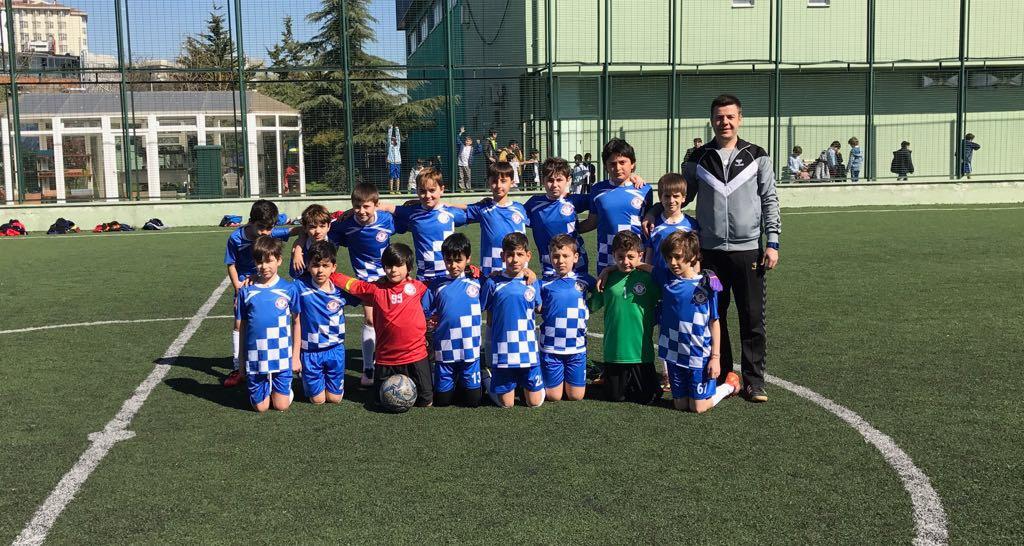 Minik Erkekler Futbol Takımımız Yarı Finalde!