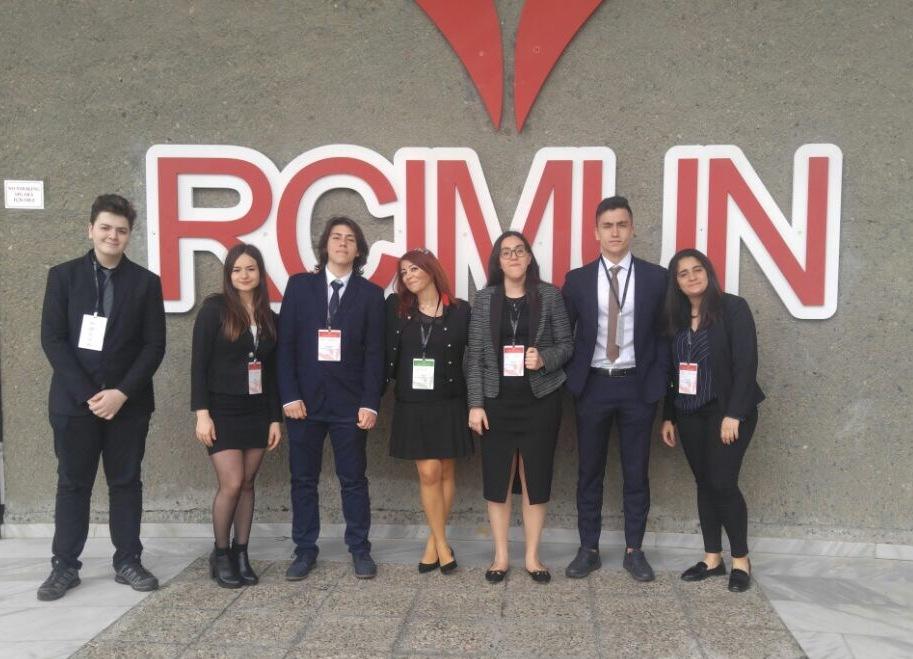 """Anadolu Lisesi Öğrencilerimiz """"RCIMUN"""" Robert Koleji Uluslararası Model Birleşmiş Milletler Konferansı'nda"""