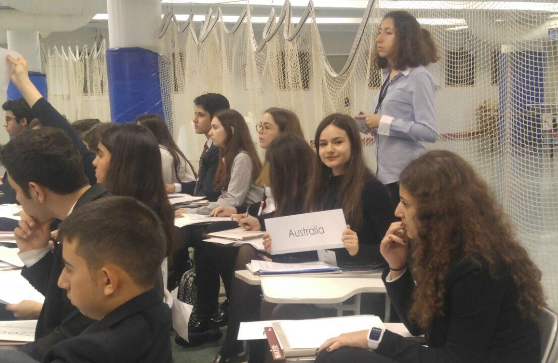 Anadolu Lisesi Öğrencilerimizin RCIMUN 2017'de Üçüncü Günleri