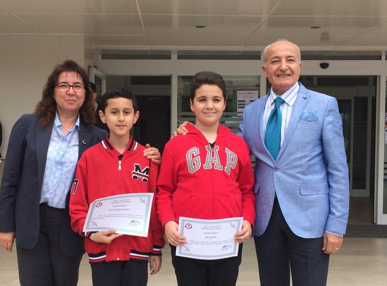 Okulumuzu Matematik Olimpiyatlarında Temsil Eden Öğrencilerimize Sertifikalarını Törenle Verdik