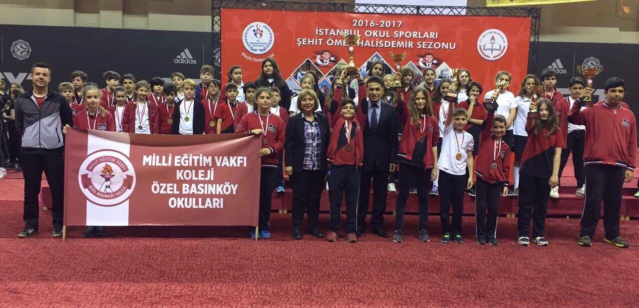 Okulumuza Sportif Başarılardan Dokuz Kupa Birden!