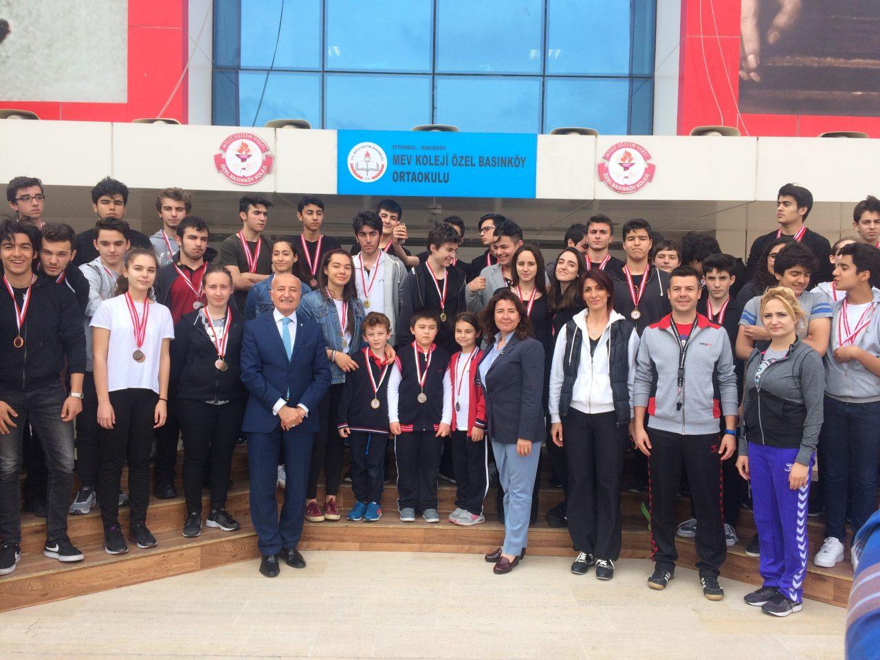 19 Mayıs Atatürk'ü Anma Gençlik ve Spor Bayramı Kutlamalarımız Bahçe Töreniyle Başladı