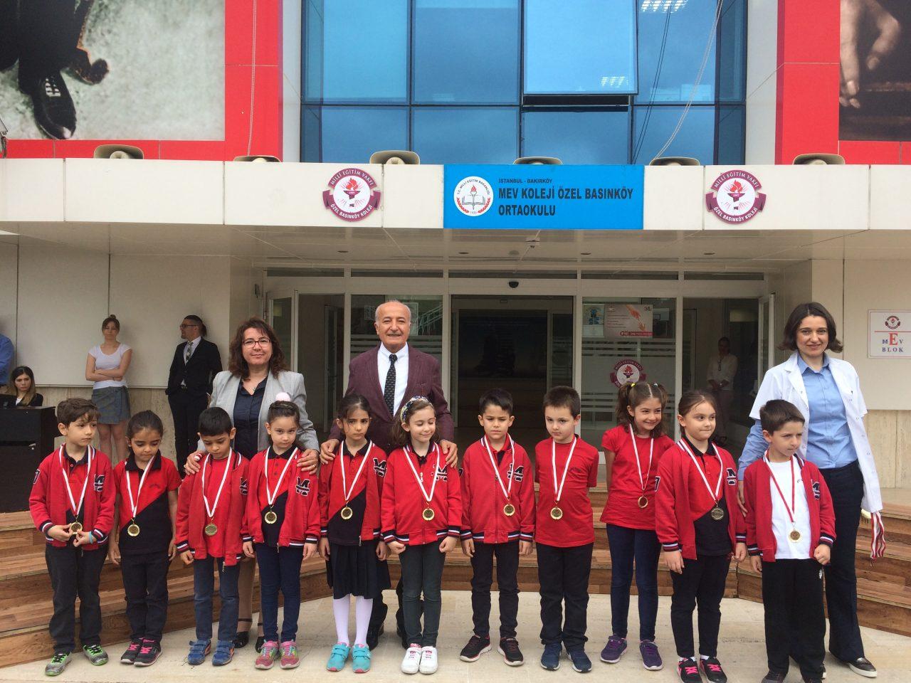 1.Sınıf Okuma Şampiyonlarına Ödüllerini Verdik