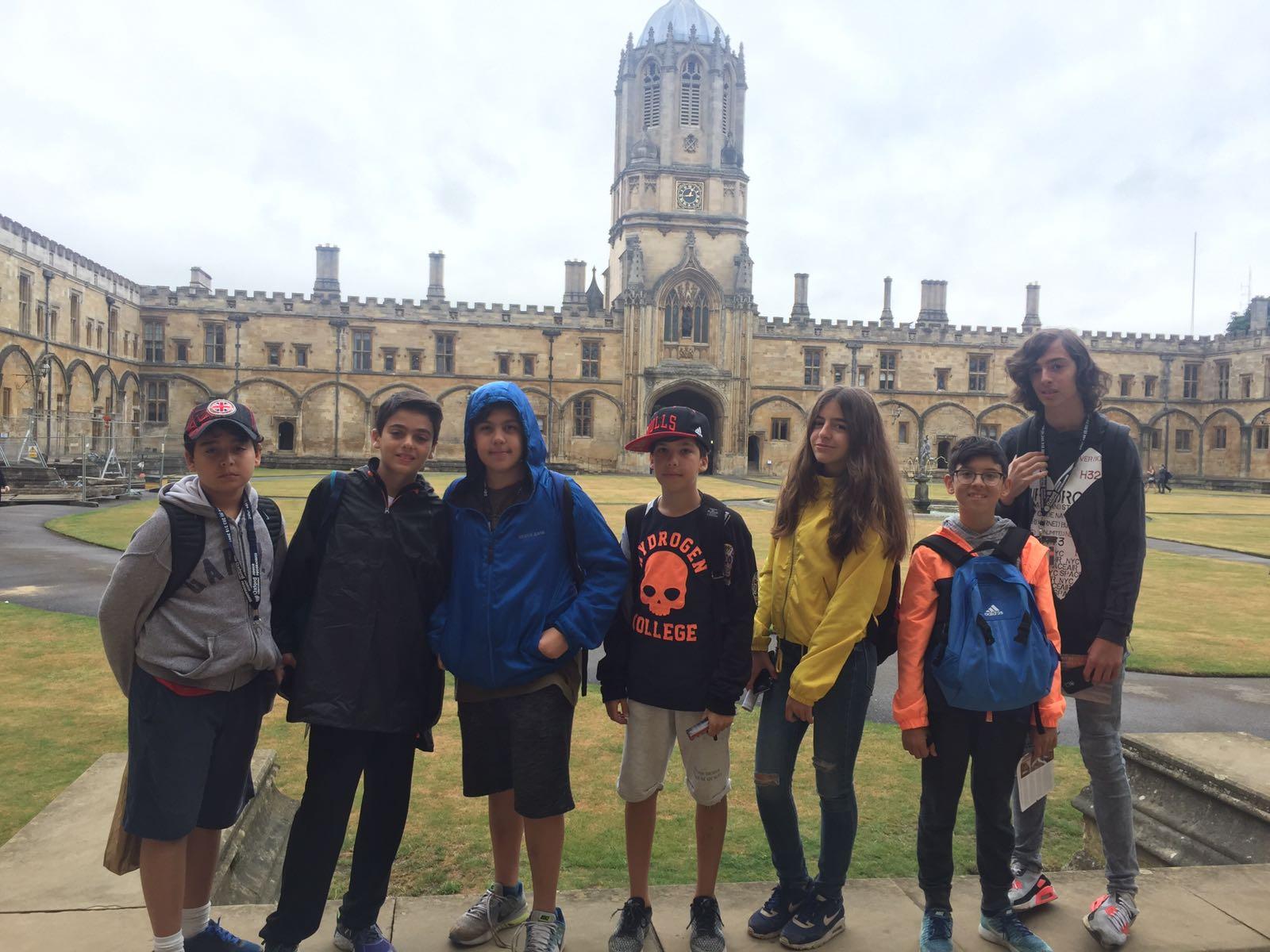 Ortaokul Öğrencilerimiz İngiltere'de Gerçekleştirilen Yaz Okulu Eğitimini Başarıyla Tamamladı