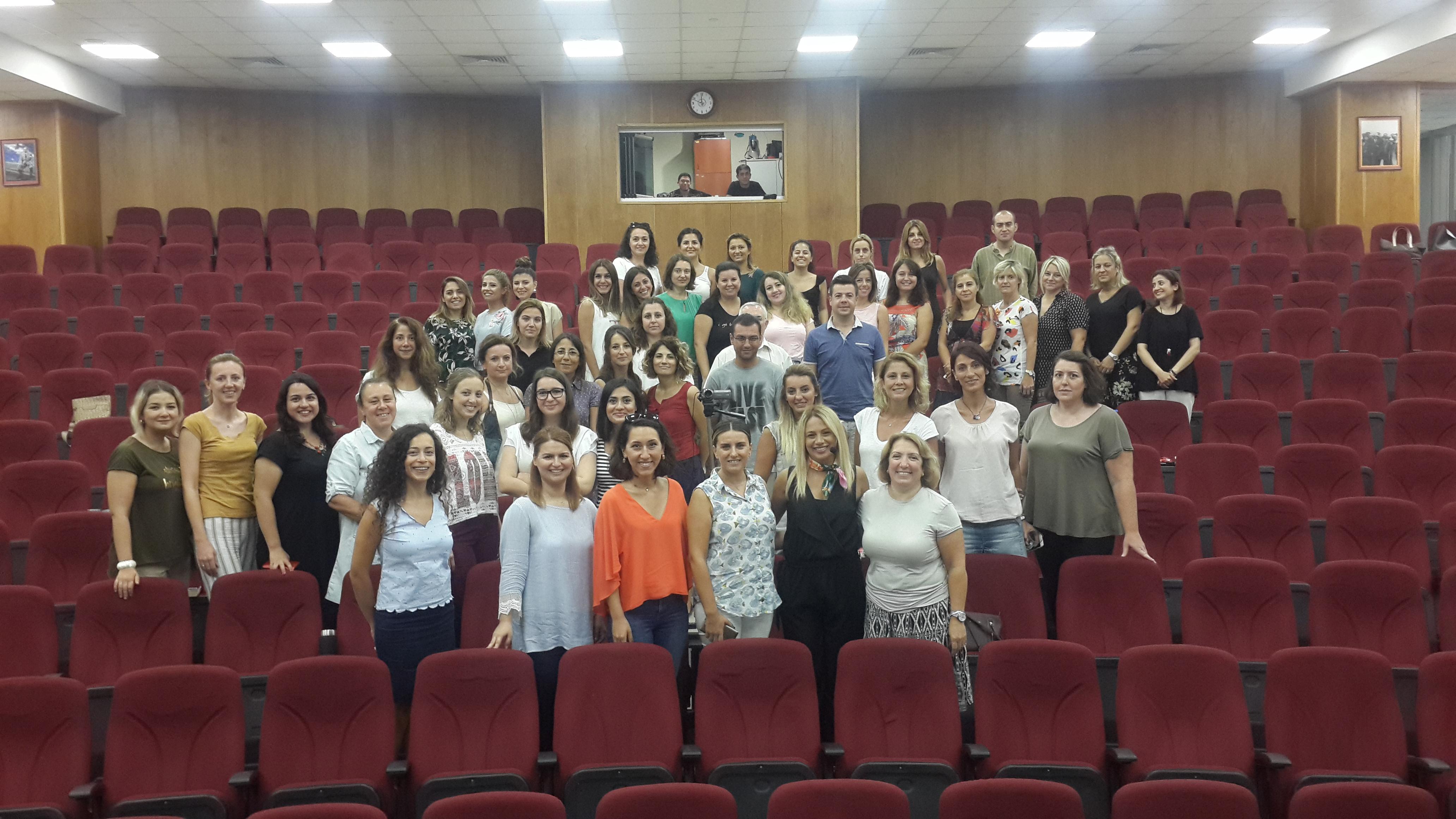 Klinik Psikolog Açelya Şahin Fırat Eğitimde İletişim Konulu Seminer Verdi
