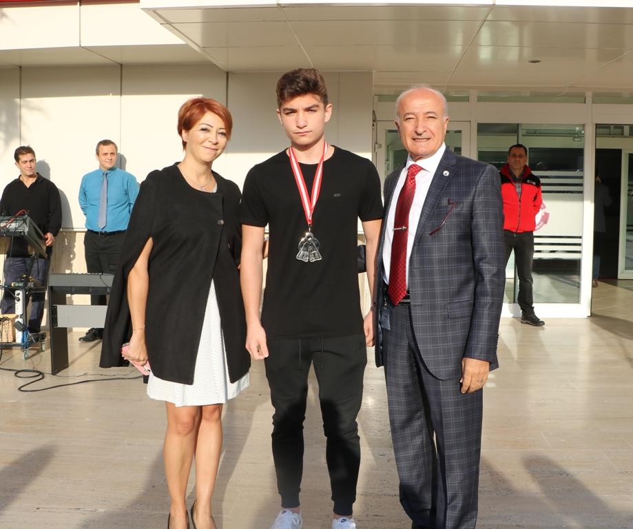 Öğrencimiz CMAS Paletli Yüzme Dünya Kupası Altın Finalinde Dünya İkincisi Oldu