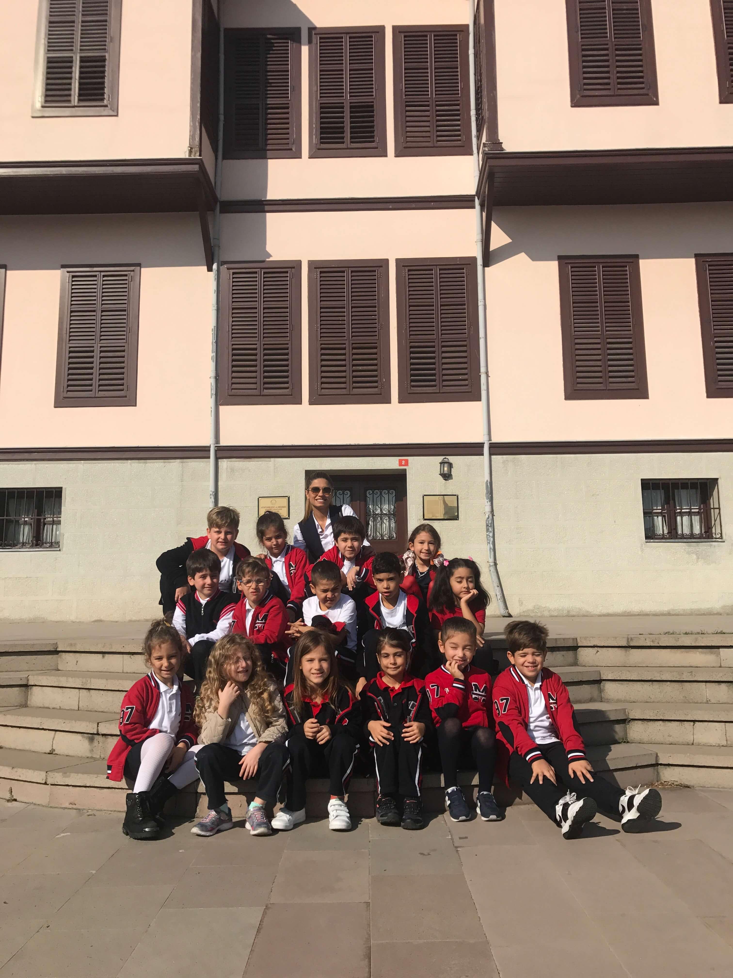 1. Sınıf Öğrencilerimiz Atatürk Evi Müzesi'ne Gittiler
