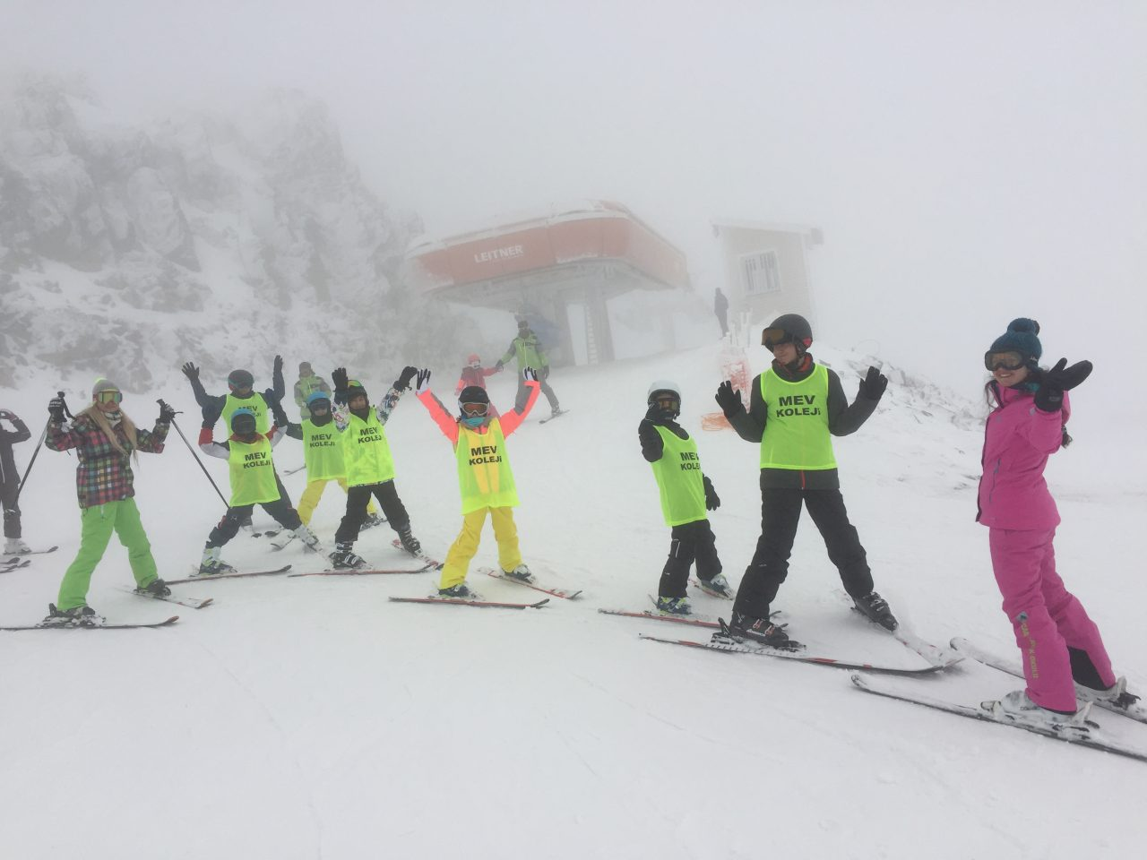 Öğrencilerimizin Kartalkaya Kayak Eğitim Kampında İkinci Günleri