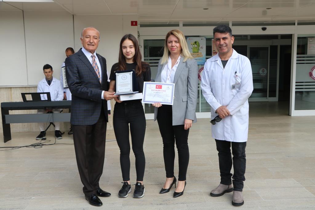 Öğrencimiz 5.Ulusal Slogan Logo ve  Afiş Yarışması'nda Türkiye İkincisi Oldu