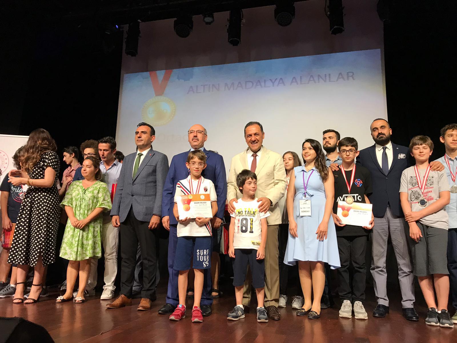 Ulusal İstanbul Bilim Olimpiyatları Sınavında Bronz Madalya